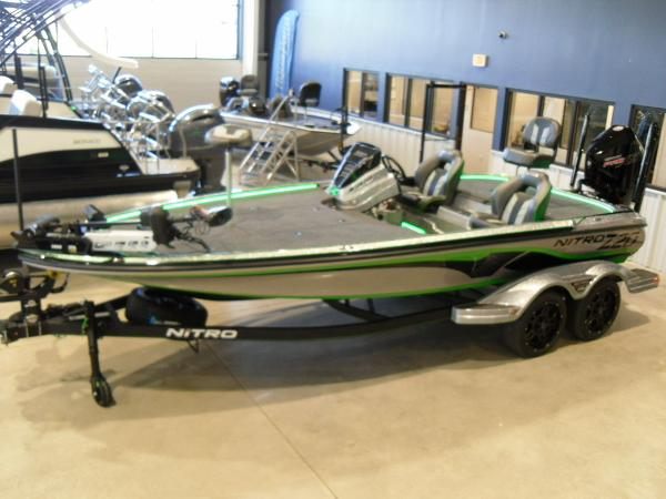 2021 Nitro boat for sale, model of the boat is Z20 Pro & Image # 8 of 52