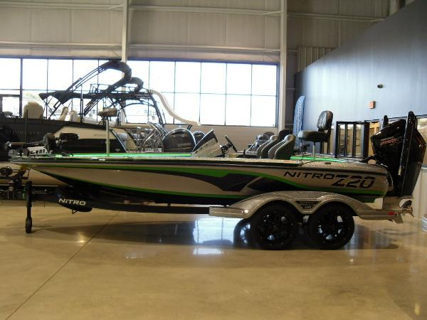 2021 Nitro boat for sale, model of the boat is Z20 Pro & Image # 11 of 52