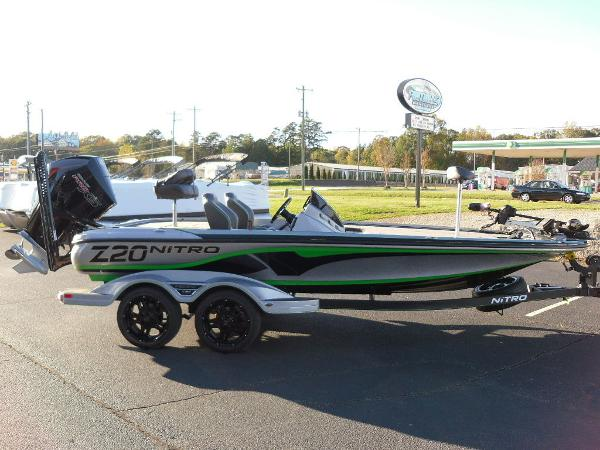 2021 Nitro boat for sale, model of the boat is Z20 Pro & Image # 13 of 52