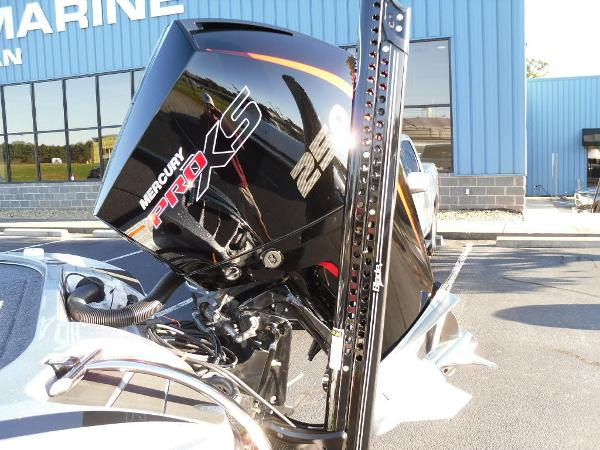2021 Nitro boat for sale, model of the boat is Z20 Pro & Image # 17 of 52