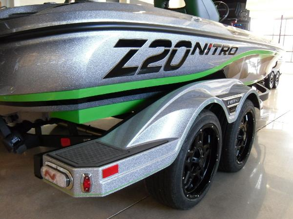 2021 Nitro boat for sale, model of the boat is Z20 Pro & Image # 19 of 52