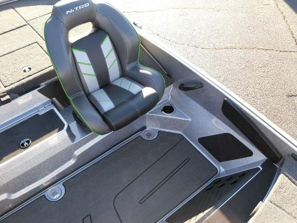2021 Nitro boat for sale, model of the boat is Z20 Pro & Image # 30 of 52