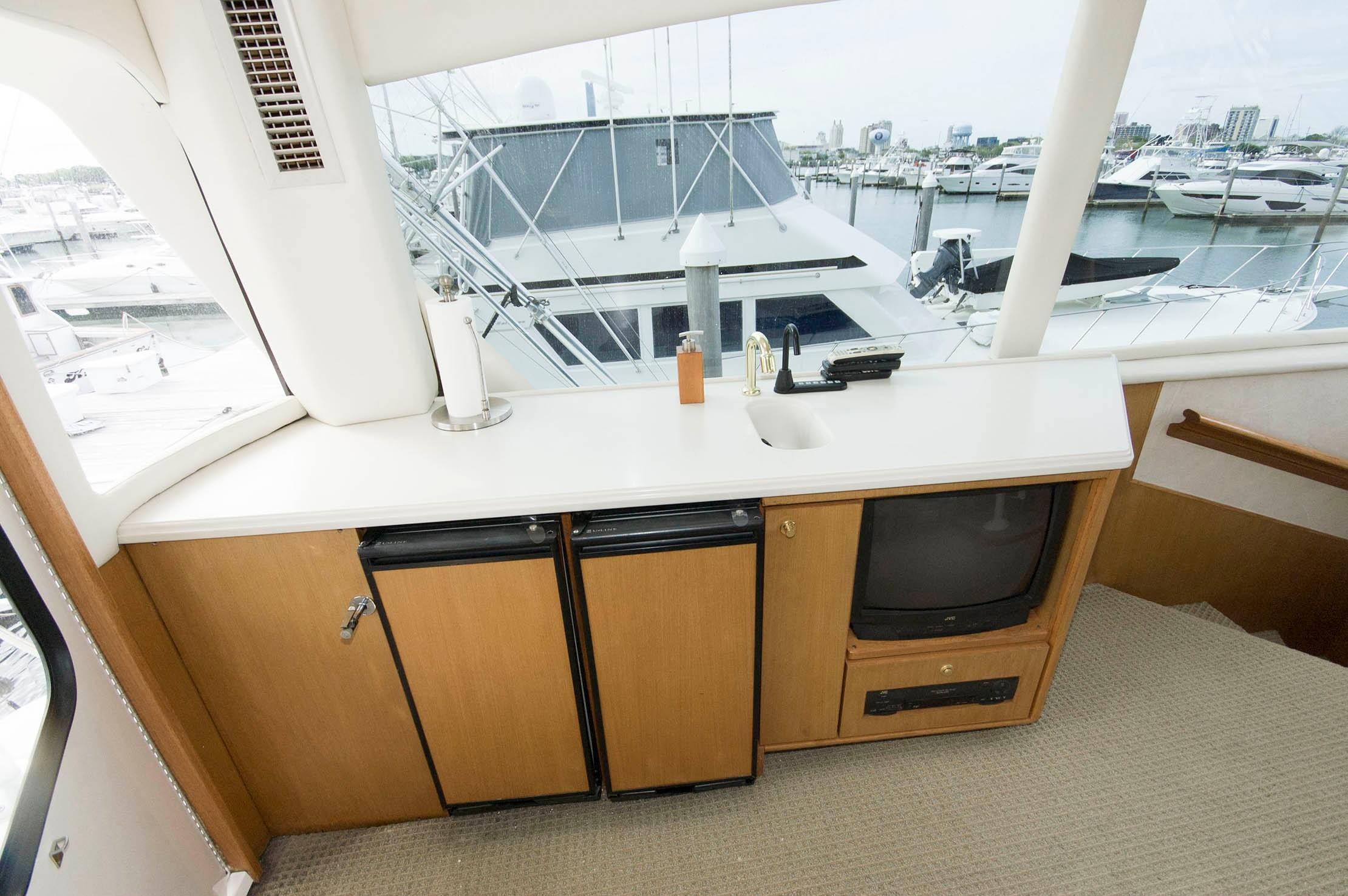 NJ 5402 KG Knot 10 Yacht Sales