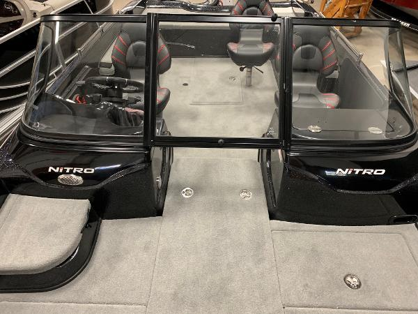 2020 Nitro boat for sale, model of the boat is ZV21 & Image # 30 of 50
