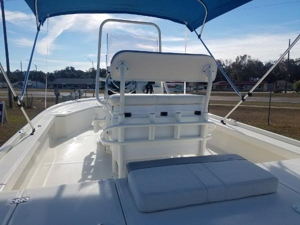 2020 Mako boat for sale, model of the boat is 21 LTS & Image # 8 of 16
