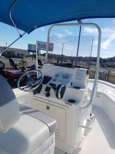 2020 Mako boat for sale, model of the boat is 21 LTS & Image # 10 of 16