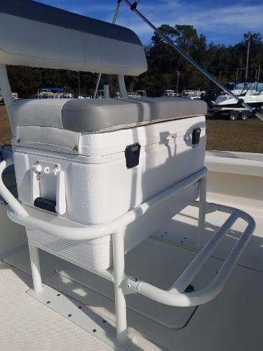 2020 Mako boat for sale, model of the boat is 21 LTS & Image # 11 of 16