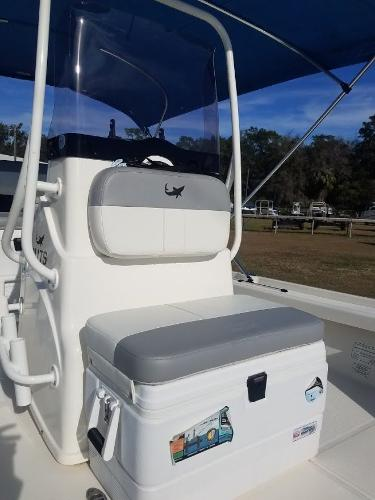 2020 Mako boat for sale, model of the boat is 21 LTS & Image # 13 of 16