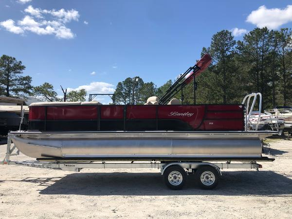 2021 Bentley boat for sale, model of the boat is 223 Swingback (3/4 Tube) & Image # 7 of 28