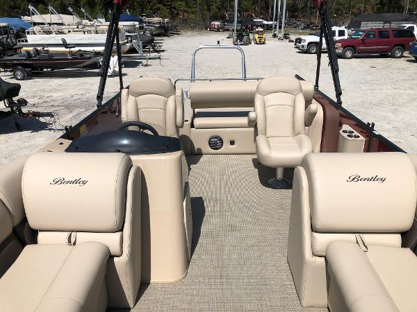 2021 Bentley boat for sale, model of the boat is 223 Swingback (3/4 Tube) & Image # 10 of 28