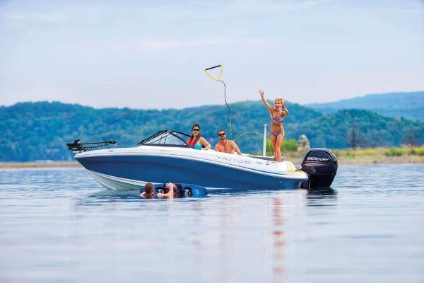 2021 Tahoe boat for sale, model of the boat is 450 TF & Image # 5 of 58
