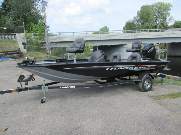 2021 Tracker Boats boat for sale, model of the boat is Pro Team 175 TXW & Image # 1 of 26