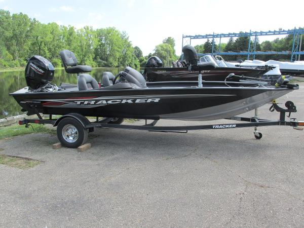 2021 Tracker Boats boat for sale, model of the boat is Pro Team 175 TXW & Image # 2 of 26