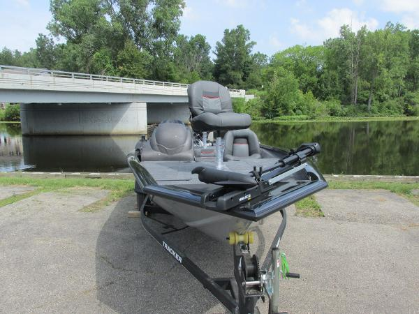2021 Tracker Boats boat for sale, model of the boat is Pro Team 175 TXW & Image # 3 of 26