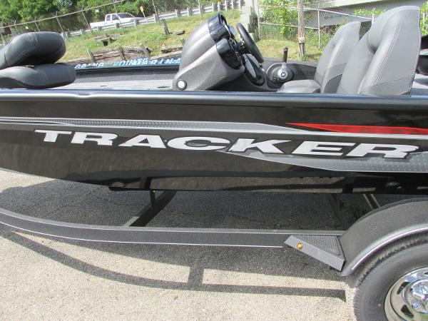 2021 Tracker Boats boat for sale, model of the boat is Pro Team 175 TXW & Image # 25 of 26