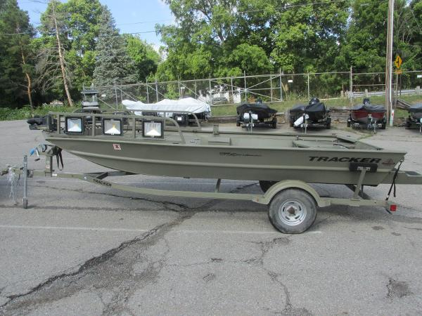 2016 Tracker Boats boat for sale, model of the boat is 1760 MVX Sportsman & Image # 1 of 9