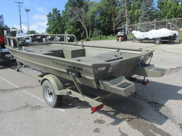 2016 Tracker Boats boat for sale, model of the boat is 1760 MVX Sportsman & Image # 3 of 9
