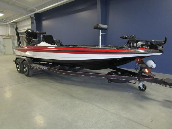 2021 Skeeter boat for sale, model of the boat is ZXR 21 & Image # 3 of 49