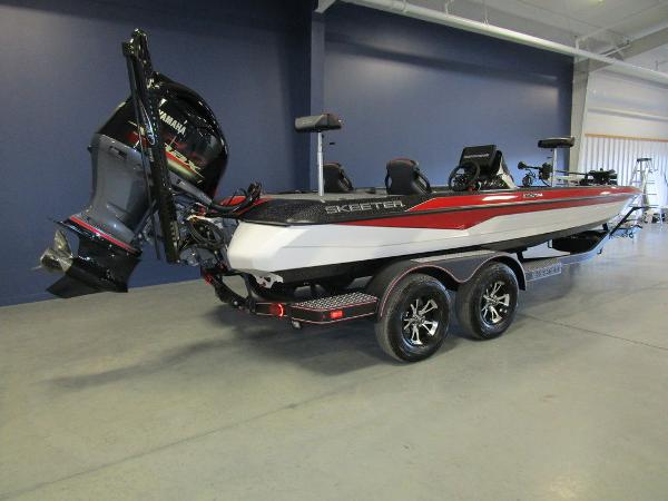 2021 Skeeter boat for sale, model of the boat is ZXR 21 & Image # 5 of 49