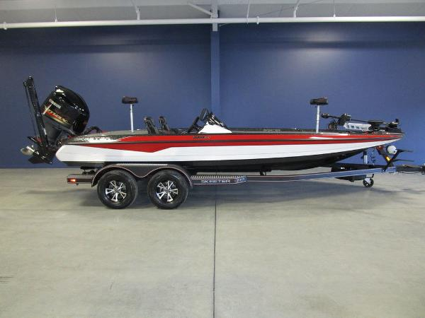 2021 Skeeter boat for sale, model of the boat is ZXR 21 & Image # 1 of 49