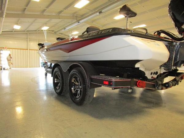 2021 Skeeter boat for sale, model of the boat is ZXR 21 & Image # 26 of 49