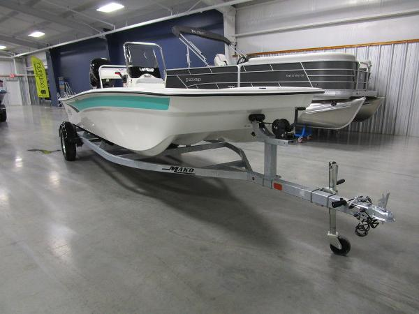 2021 Mako boat for sale, model of the boat is Pro Skiff 17 CC & Image # 4 of 28