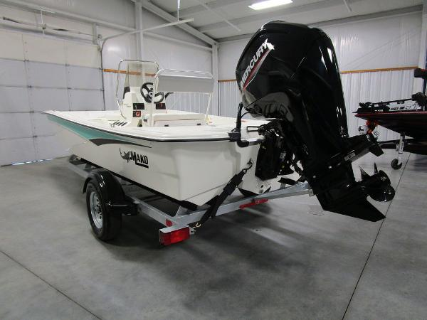 2021 Mako boat for sale, model of the boat is Pro Skiff 17 CC & Image # 5 of 28