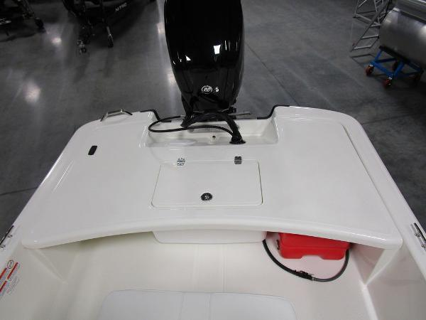 2021 Mako boat for sale, model of the boat is Pro Skiff 17 CC & Image # 9 of 28