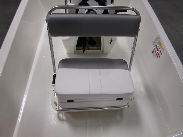 2021 Mako boat for sale, model of the boat is Pro Skiff 17 CC & Image # 16 of 28