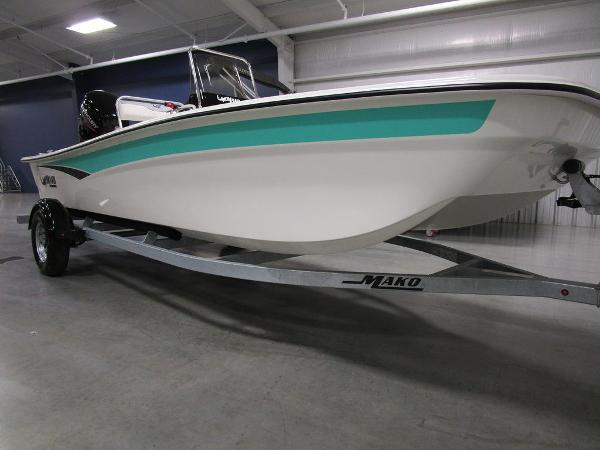 2021 Mako boat for sale, model of the boat is Pro Skiff 17 CC & Image # 17 of 28