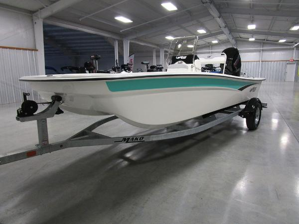 2021 Mako boat for sale, model of the boat is Pro Skiff 17 CC & Image # 25 of 28