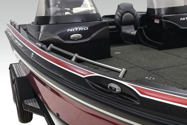 2021 Nitro boat for sale, model of the boat is ZV19 Sport & Image # 24 of 47