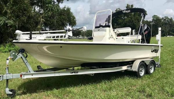 2020 Mako boat for sale, model of the boat is 214 CC & Image # 3 of 13