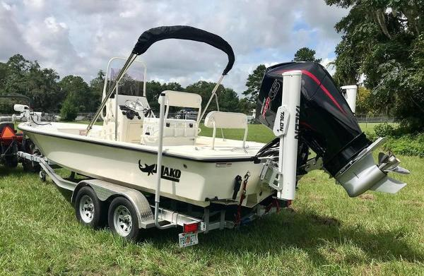 2020 Mako boat for sale, model of the boat is 214 CC & Image # 10 of 13