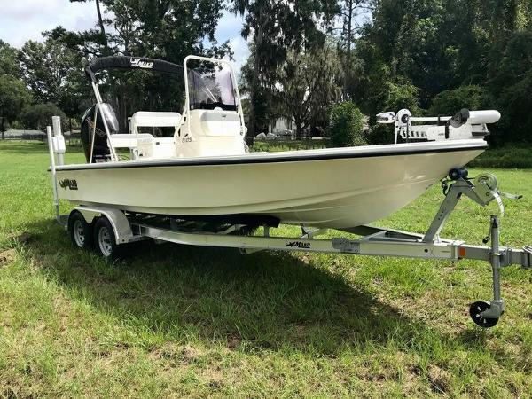 2020 Mako boat for sale, model of the boat is 214 CC & Image # 12 of 13
