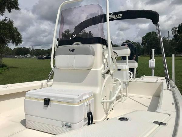 2020 Mako boat for sale, model of the boat is 214 CC & Image # 13 of 13