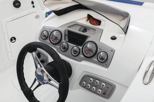 2021 Tahoe boat for sale, model of the boat is 2150 & Image # 57 of 85