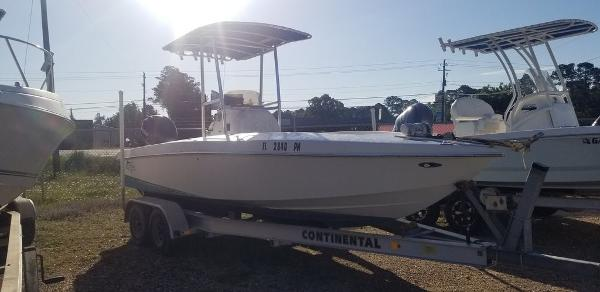 2013 Ocean Runner boat for sale, model of the boat is 21 CC & Image # 3 of 8