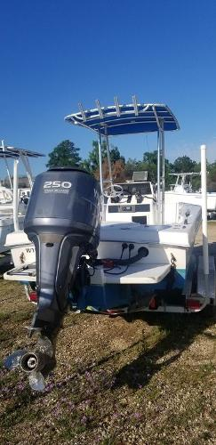 2013 Ocean Runner boat for sale, model of the boat is 21 CC & Image # 4 of 8
