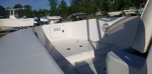 2013 Ocean Runner boat for sale, model of the boat is 21 CC & Image # 5 of 8