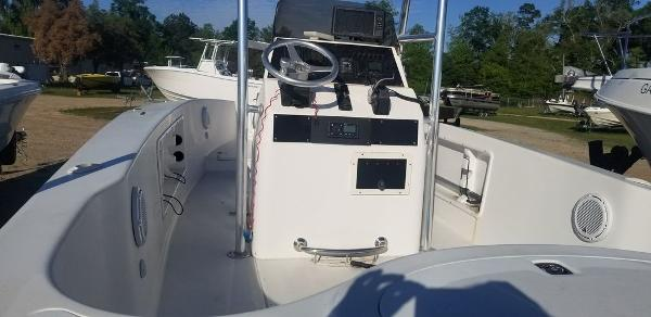 2013 Ocean Runner boat for sale, model of the boat is 21 CC & Image # 7 of 8
