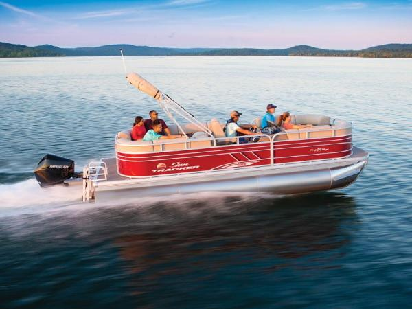 2021 Sun Tracker boat for sale, model of the boat is PARTY BARGE® 22 XP3 & Image # 1 of 1