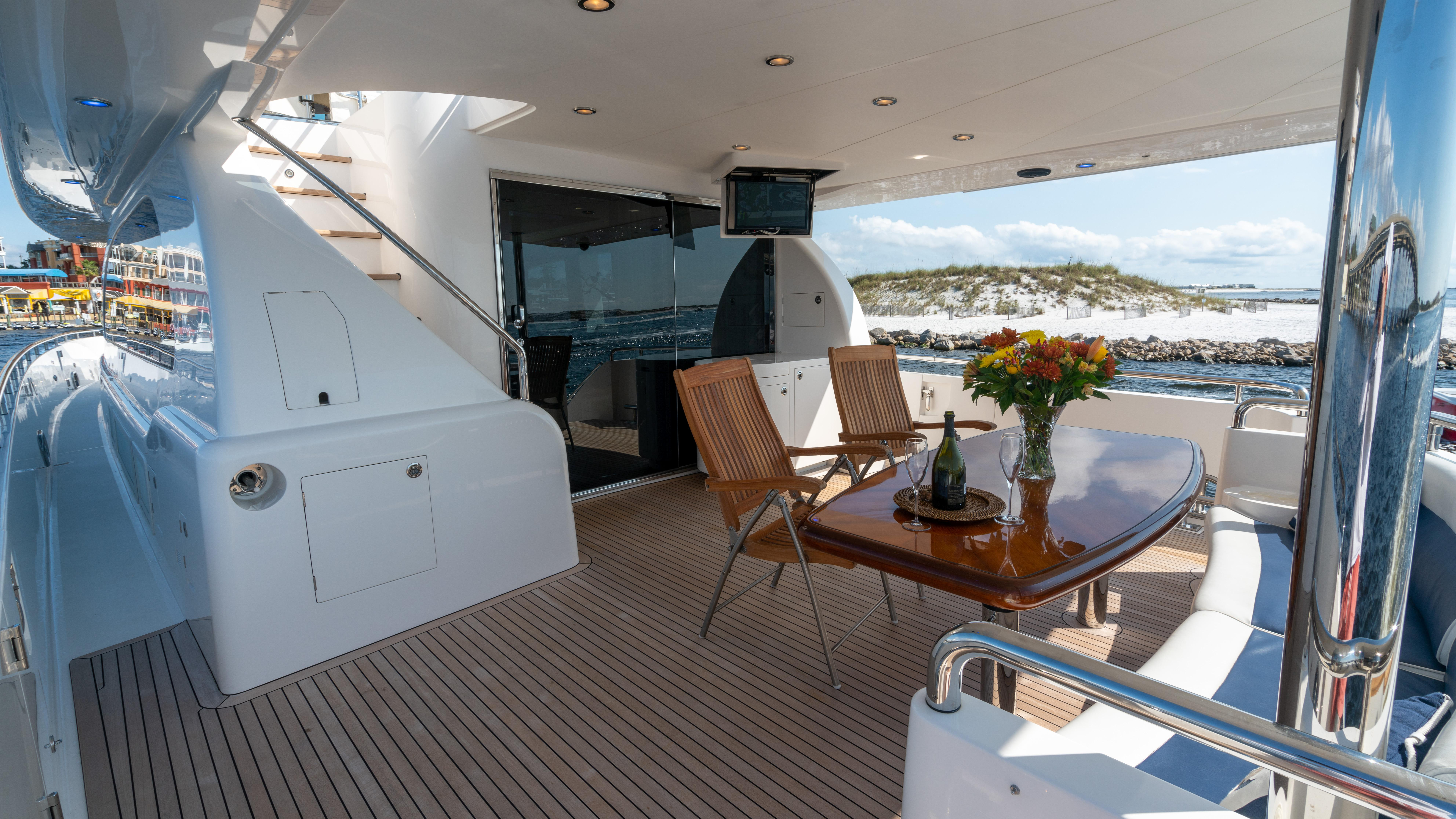 Aft deck, staircase to flybridge
