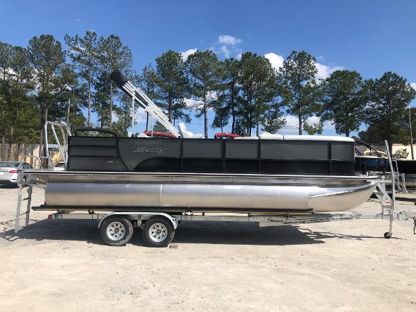 2021 Bentley boat for sale, model of the boat is 223 Swingback (3/4 Tube) & Image # 4 of 27