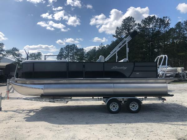 2021 Bentley boat for sale, model of the boat is 223 Swingback (3/4 Tube) & Image # 7 of 27