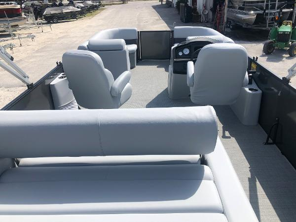 2021 Bentley boat for sale, model of the boat is 223 Swingback (3/4 Tube) & Image # 9 of 27