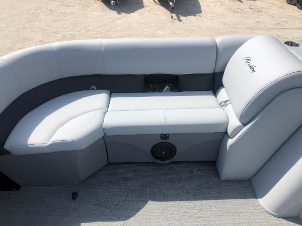 2021 Bentley boat for sale, model of the boat is 223 Swingback (3/4 Tube) & Image # 11 of 27