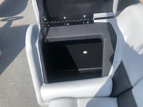 2021 Bentley boat for sale, model of the boat is 223 Swingback (3/4 Tube) & Image # 18 of 27
