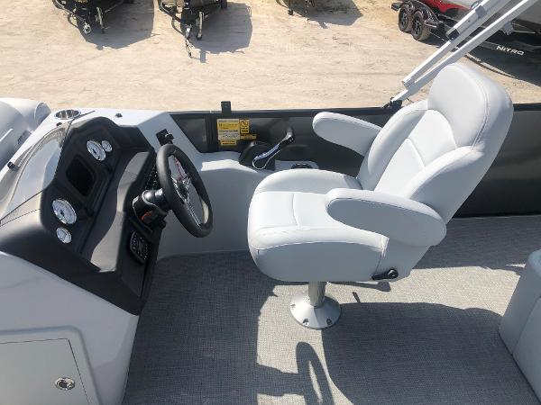 2021 Bentley boat for sale, model of the boat is 223 Swingback (3/4 Tube) & Image # 22 of 27