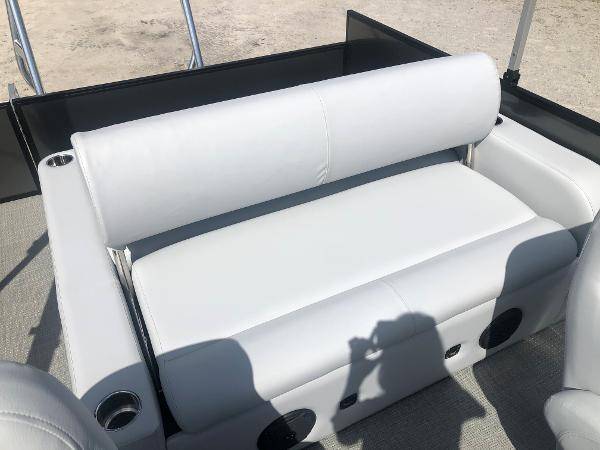 2021 Bentley boat for sale, model of the boat is 223 Swingback (3/4 Tube) & Image # 24 of 27